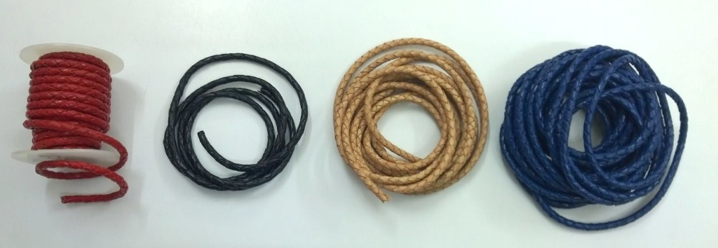 Knotted leather strings 4mm