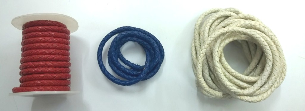 Knotted leather strings 6 mm